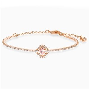 Swarovski Sparking Dance Clover Bangle Bracelet